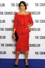 Penelope Cruz: It's cute, lots of red, but that's what they generally dress Miss Cruz in. It's a bit old fashion if you ask me.
