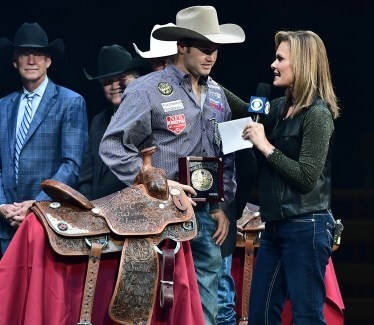 Tyler Waguespack Steer Wrestling World Champion Buckle-Saddle Award NFR2016 R10 2