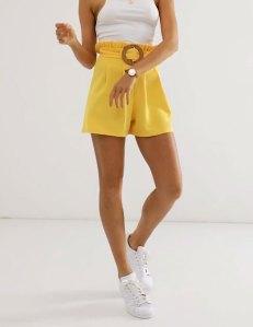 ASOS DESIGN - Pantaloncini in crêpe con cintura con fibbia in vimini vestiti da donna per la quarantena e smart working