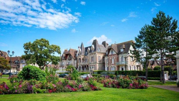 Hotel Akena de Camiers Sainte-Cécile