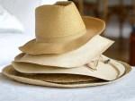 beach sun hats stephen-hocking-550699-unsplash
