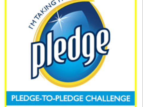 Pledge FloorCare Wood Products Keep My Wood Floors Shinin'! #pledge #MC