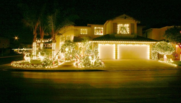 Where Do I Go To See Christmas Lights In Idaho?