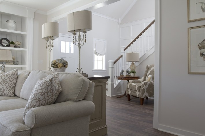 6 Helpful Ways to Furnish Your Home without Breaking the Bank