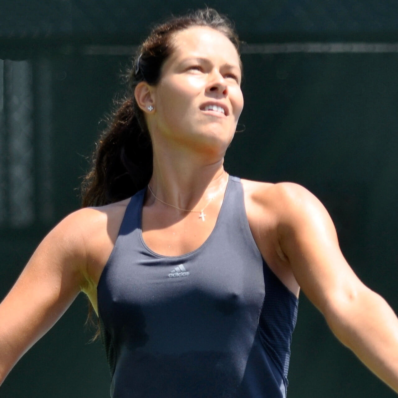 Ana ivanovic in sports bra gets wet 7