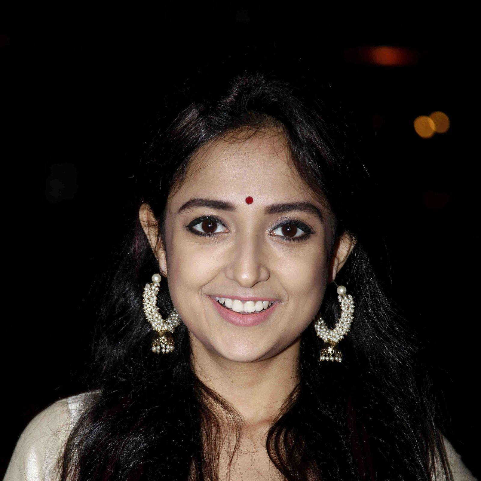Monali Thakur Biography • Singer • Profile