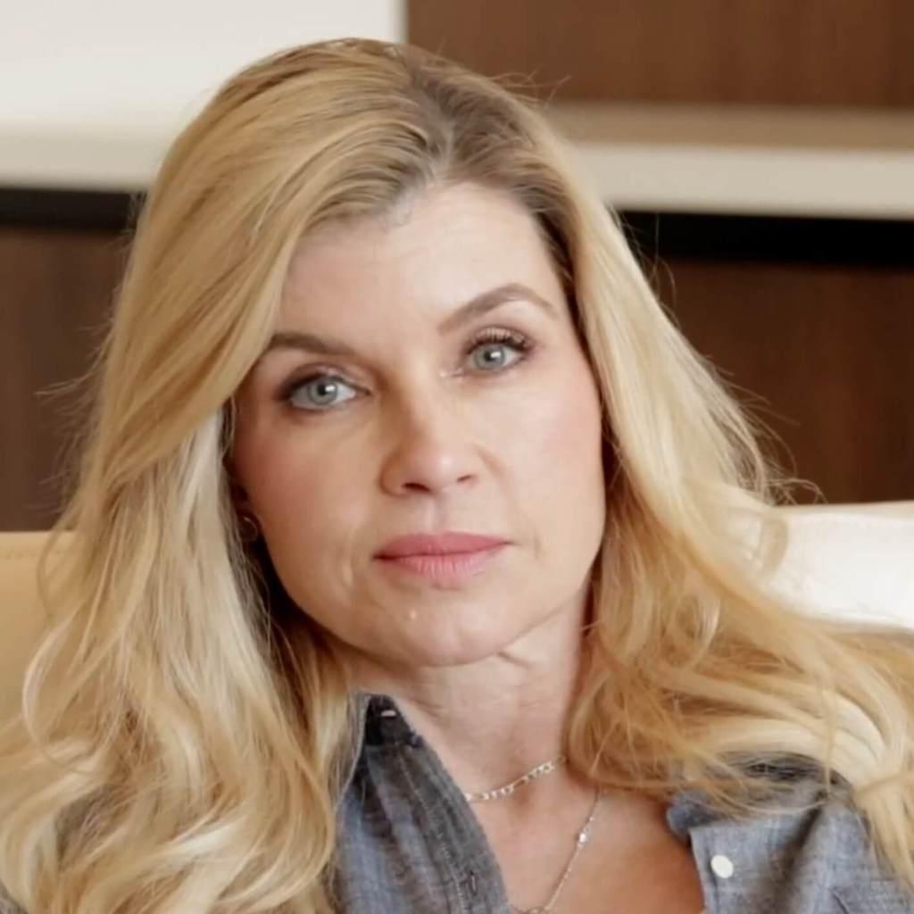 Dr Nadine Macaluso