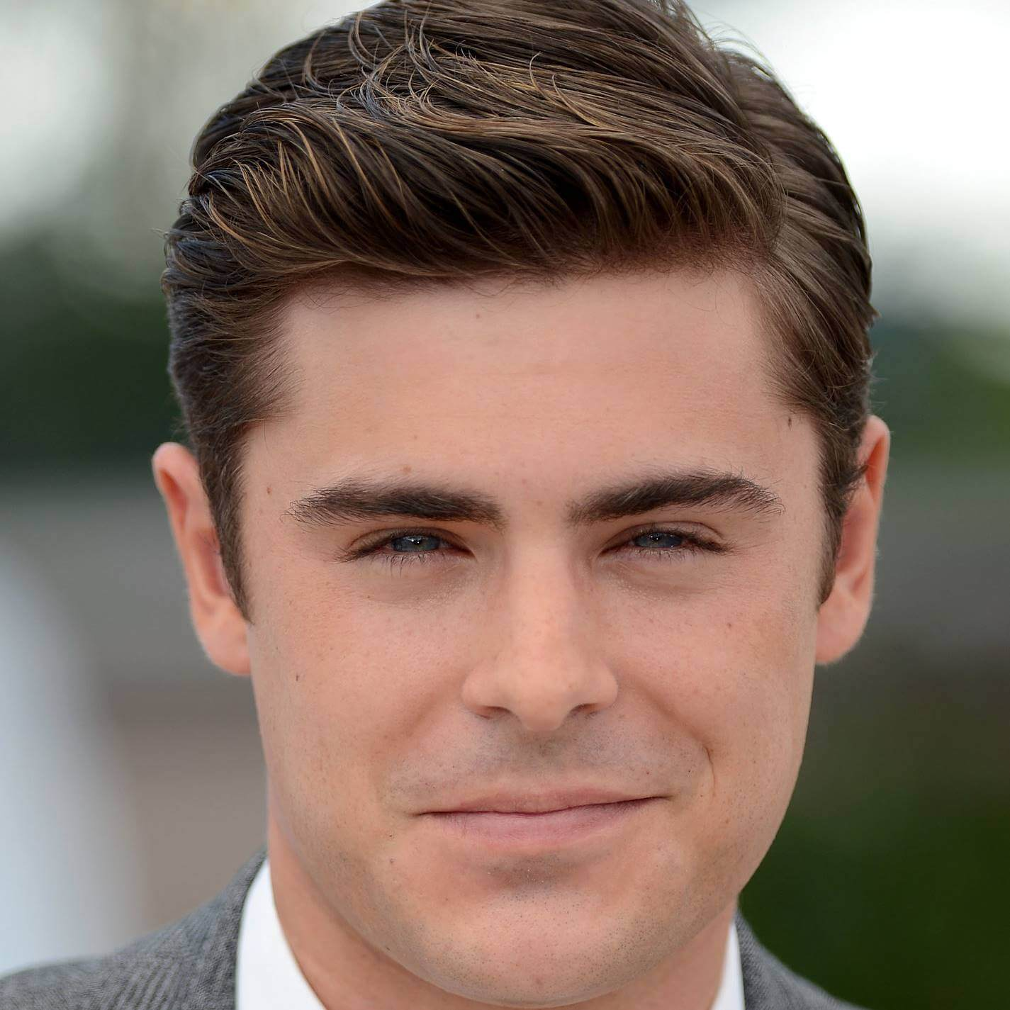 Zac Efron Biography �...