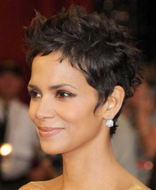 Halle Berry Short Curly Hair : halle, berry, short, curly, Halle, Berry, Pixie