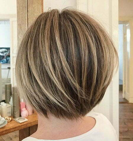 Layered Bob Balayage Short