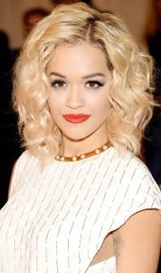 shoulder length hairstyle blonde