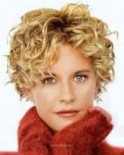 beautiful-curly-pixie-ideas-older-women