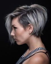 cute-short-stacked-hairstyle-thin-hair