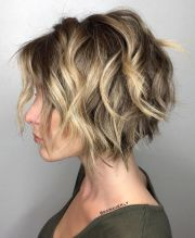 short-textured-bob-hairstyle-women-with-thick-hair
