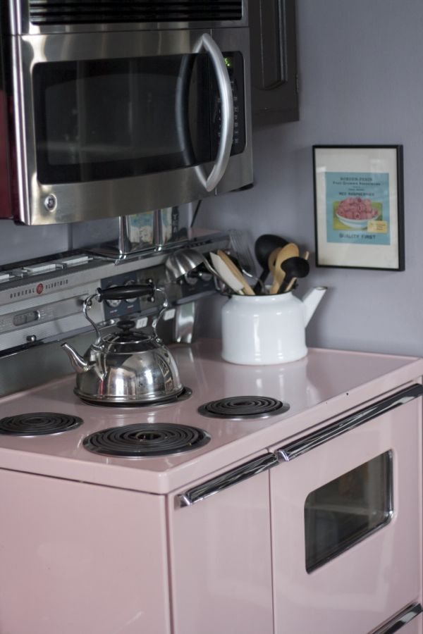 pink retro 50s stove - shorts and longs - julie rybarczyk03