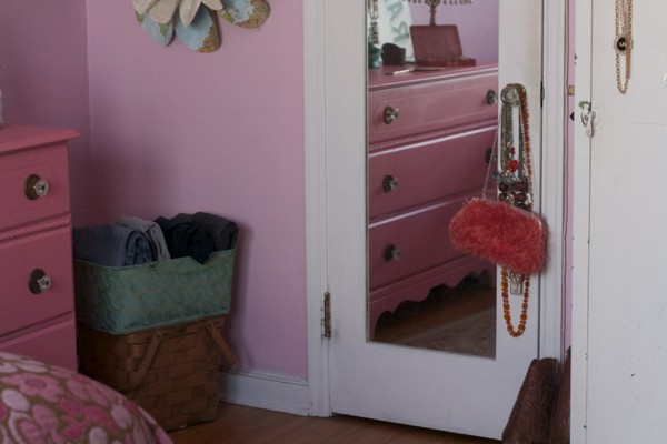 pink bedroom jewelry   shorts and longs   julie rybarczyk17