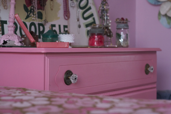 pink bedroom jewelry   shorts and longs   julie rybarczyk18
