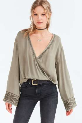 Bell Sleeve Tops_2