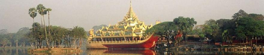 Karaweit,_Kandawgyi_Lake,_Yangon,_Myanmar