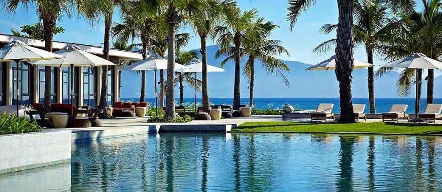 hyatt-regency-danang-resort