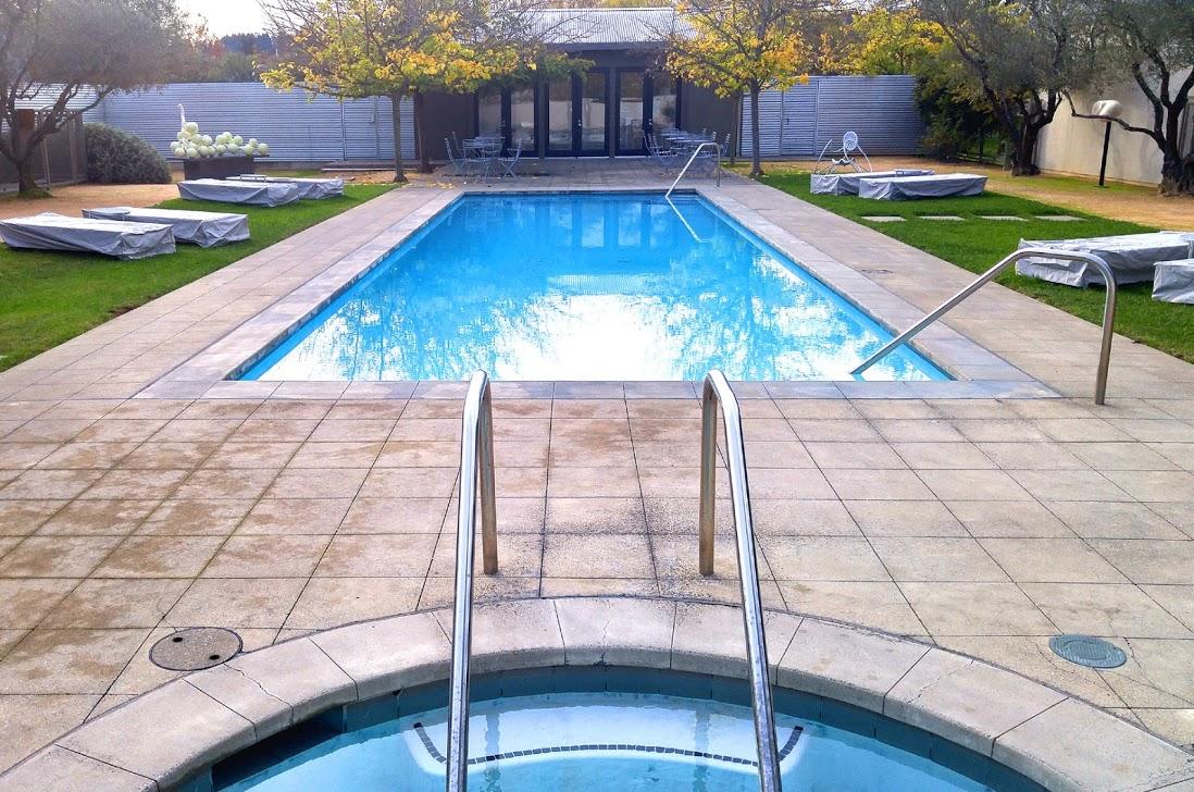 duchamp pool-01 med BY CHARLEBOIS