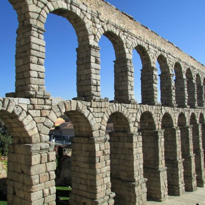 EIGHT  REASONS TO SPEND A  LONG WEEKEND IN SEGOVIA, SPAIN