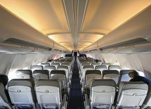 800px-Lufthansa_737_interior