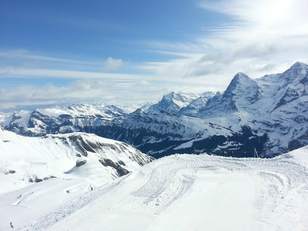 Across-the-Lauterbrunnen-Valley