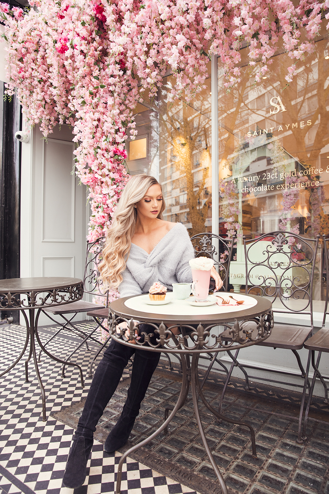 fashion blogger Stephanie Danielle in front of Saint Aymes cafe by London fashion photographer Ailera Stone