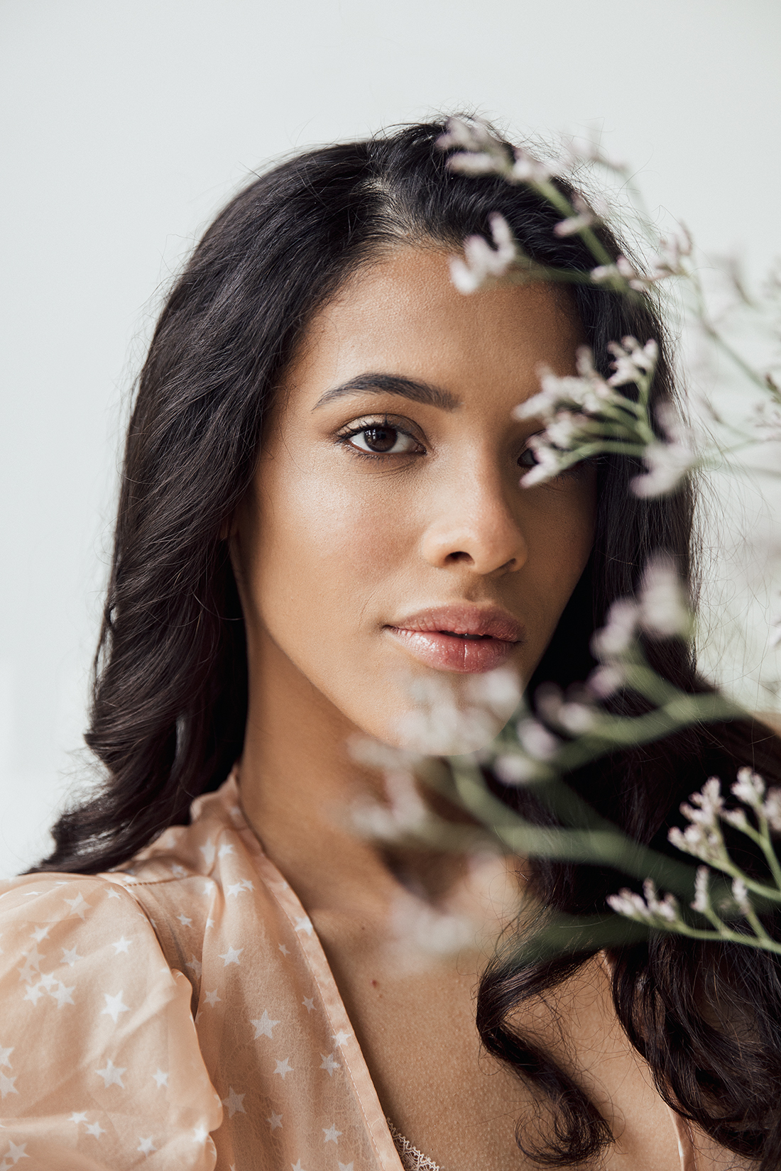Soft dreamy portrait close up with flowers of Beatriz @ PRM agency by Ailera Stone