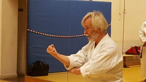 Dieter Korschelt beim Kata Training