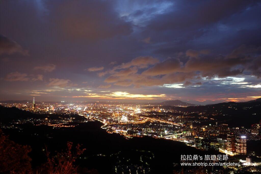 新北汐止大尖山,開車就能到的天秀宮,或爬上大尖山頂,與浪漫夜景來一場約會 拉拉桑's 旅遊足跡