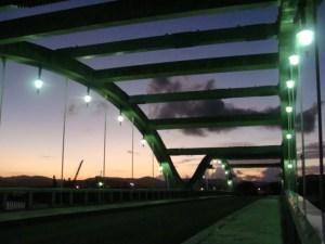 奄美大島古仁屋・夕暮時のコーラル橋
