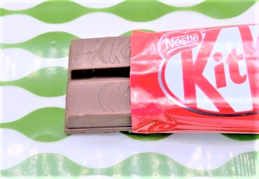 ネスレ日本 キットカット 紅白パック キットカットミニ 2020 japanese-nostalgia-snacks-nestle-kitkat-kouhaku-pack-chocolate-limited-edition-taste-2020