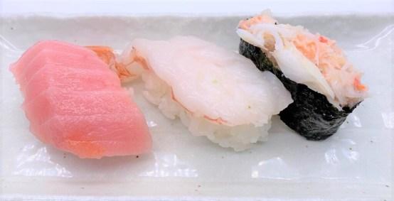 くら寿司 豪華お持ち帰りセット 豪華三種セット テイクアウト 2020年 japanese-fast-food-kura-sushi-gouka-omochikaeri-set-goukasansyuset-pack-of-sushi-2020-takeout