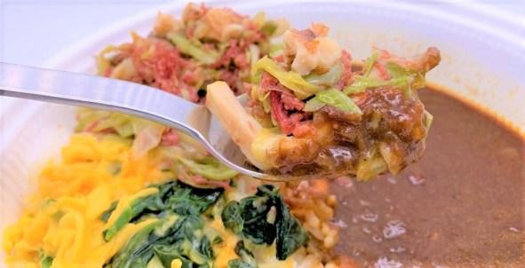 すき家 横濱 オムカレー 並盛 新容器 テイクアウト 2020 アレンジ japanese-fast-food-sukiya-yokohama-curry-topped-with-fluffy-omelette-2020-to-go
