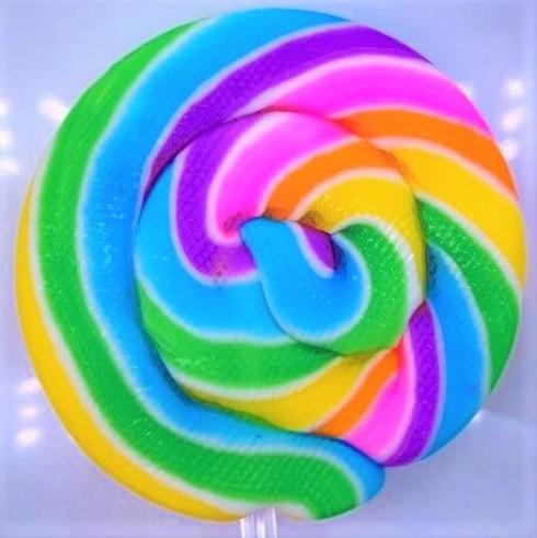 山中製菓 うずまき 棒付き飴 カラフルくるくるキャンディ 懐かしいお菓子 2021 japanese-nostalgia-candy-yamanaka-seika-uzumaki-lollipop-2021