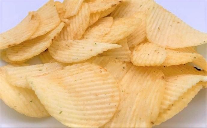 カルビー スーパーポテト サワークリーム&オニオン味 ポテトチップス 袋 お菓子 2021 japanese-snacks-calbee-super-potato-chips-sour-cream-onion-taste-2021