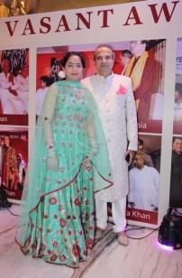 suresh-wadkar-with-wife-padma-wadkar-1