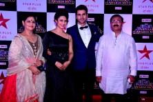 Divyanka Tripathi & Vivek Dhaiya with parents