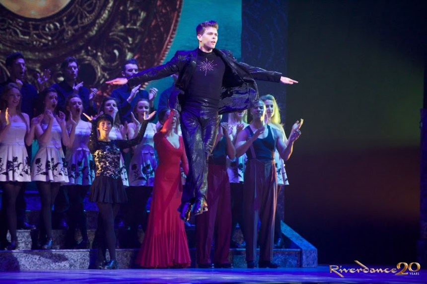 Riverdance _Finale_Photographer-Rob-McDougal