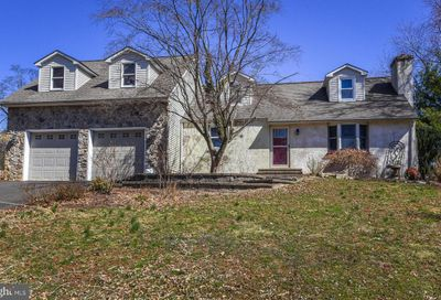 68 Hallowell Drive Wrightstown PA 18943