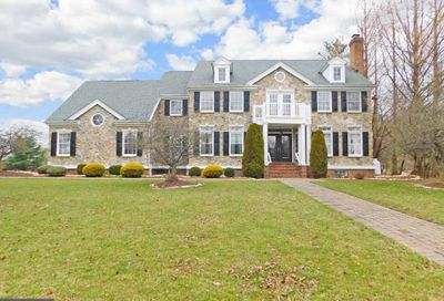24 Golfview Drive Ivyland PA 18974