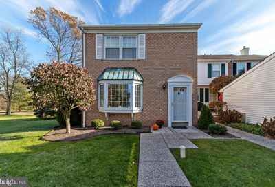 45 Fair Isle Circle Chalfont PA 18914