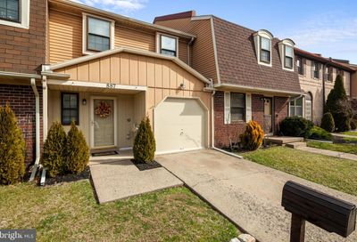 887 Clover Place Warminster PA 18974