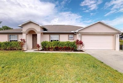 6531 Maytree Cir Fort Myers FL 33905