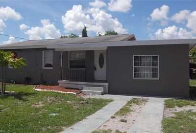 3378 Apache St Fort Myers FL 33916