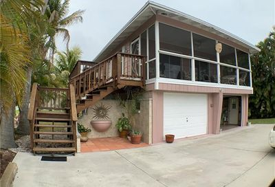 132 Driftwood Ln Fort Myers Beach FL 33931