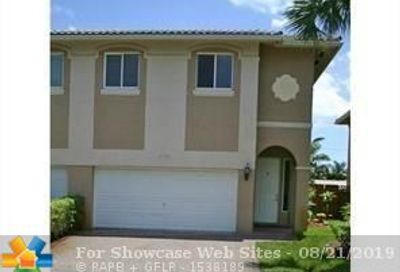 2750 Treasure Cove Cir Dania Beach FL 33312