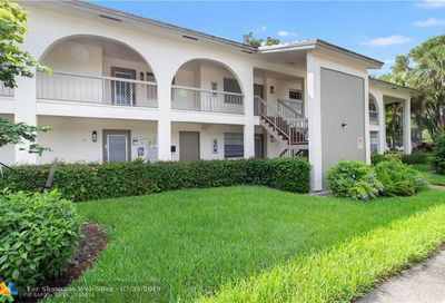 2613 Nassau Bnd Coconut Creek FL 33066